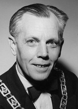 1955 Albert H Bethke (250 X 350)