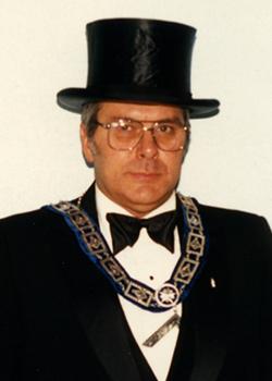 1987 Jack W Travillian (250 x 350)