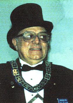 1999 Frank B Pope (250 x 350)